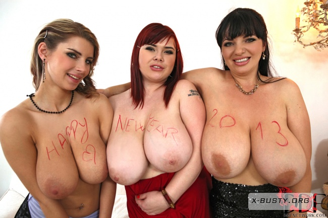 Roxanne Miller & Joanna Bliss & Katarina - Holiday Knocker Convention