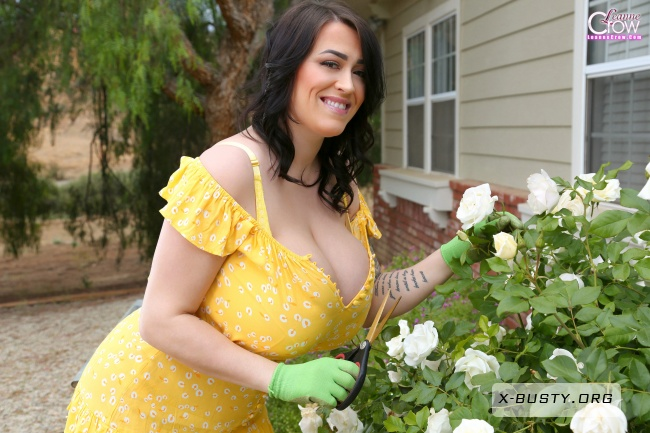 Leanne Crow - Flower Child - Set 1