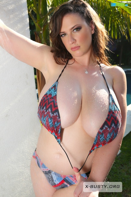 Lana Kendrick - Tropical Shower - Set 1